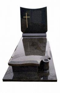 Pomnik z granitu Blue Night i krzyż na pomnik piaskowany