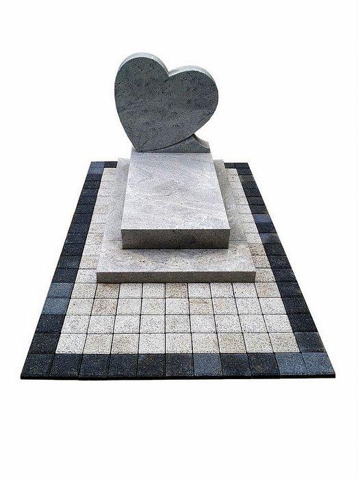 Pomnik dla dziecka z kostką brukową