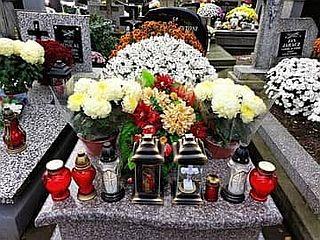 Kradzież na cmentarzu