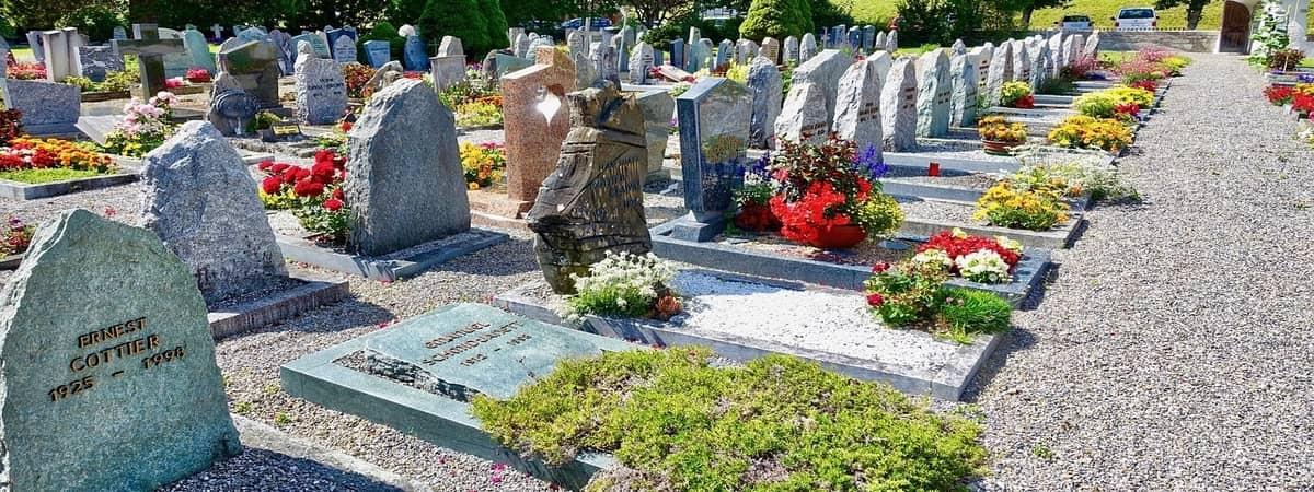 grób murowany czy grób ziemny