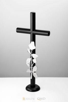 czarny krzyż stojący z różą 430