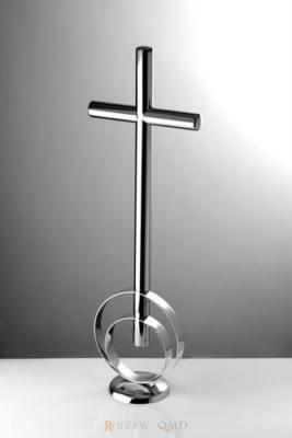 krzyż stojący z pierścieniami 19