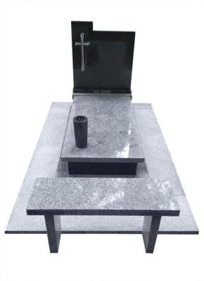 Nagrobek z granitów Impala i Strzelin z ławką cmentarną