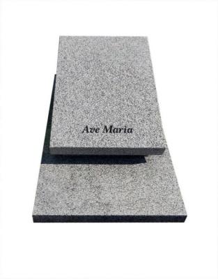 pomnik urnowy z granitu strzelin