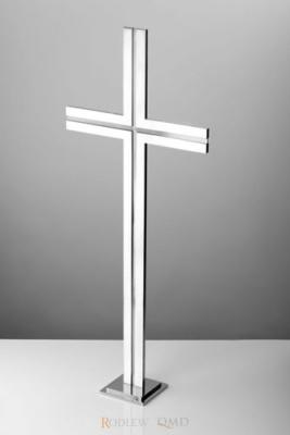 stalowy krzyż stojący z rowkiem satynowym KS11