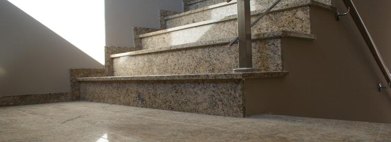 schody granitowe giallo veneziano